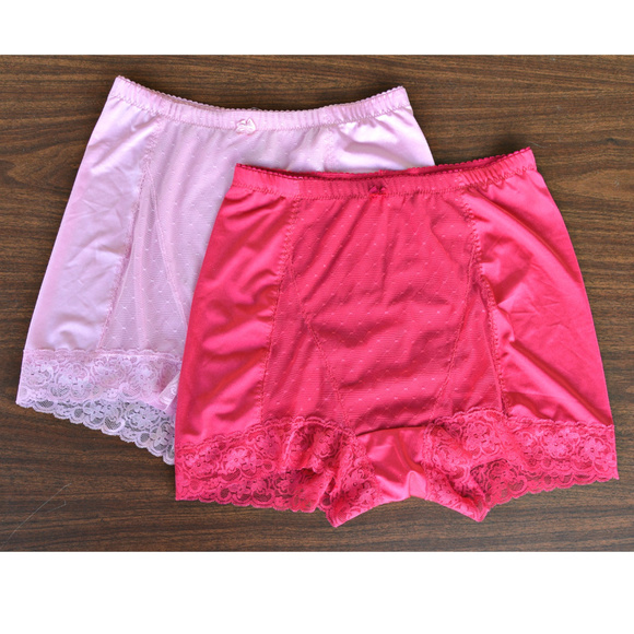 ba4b9c66ed52f Rhonda Shear Pin Up DotTap Panty 4000 2 pairs NWOT.  M 5bee72300cb5aab5f271c93a